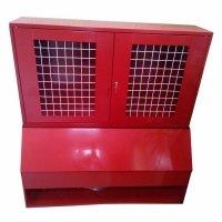 Фото Щит пожарный с ящиком для песка 0,3 м³ закрытый метал. с сеткой 1300*1500*500